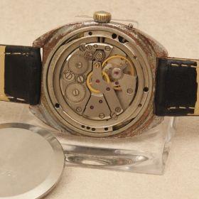 Handaufzug SLAVA mit Datum Armbanduhr Uhr wrist watch clock Fuktionsfähig Rar