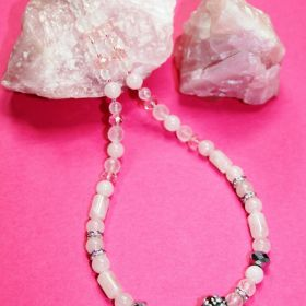 Rosenquarzkette mit böhmischen Glasschliffperlen (Unikat) 48 cm lang